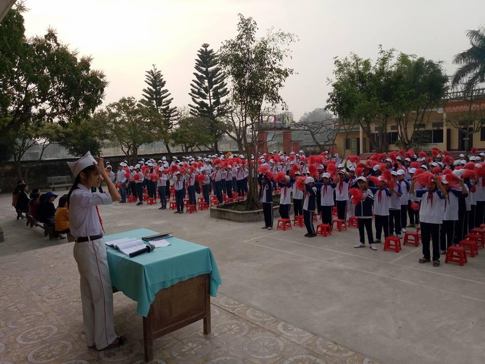LIÊN ĐỘI THCS QUỲNH THỌ TỔ CHỨC KỈ NIỆM 77 NĂM NGÀY THÀNH LẬP ĐỘI TNTP HỒ CHÍ MINH