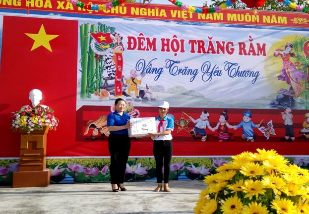 Đoàn thanh niên huyện Quỳnh Phụ : Tích cực các hoạt động Tết Trung thu 2018
