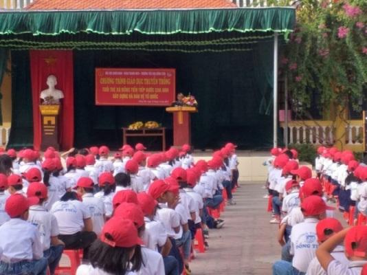 """Liên đội trường TH Đồng Tiến tổ chức giáo dục truyền thống: """"Tuổi trẻ Đồng Tiến – Tiếp bước cha anh"""""""